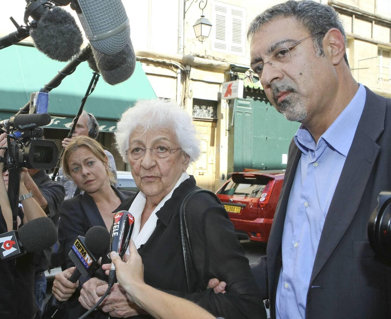 Jean-Charles Le Roux aux côtés de sa mère Renée, en 2007, lors du procès en appel à Aix-en-Provence.