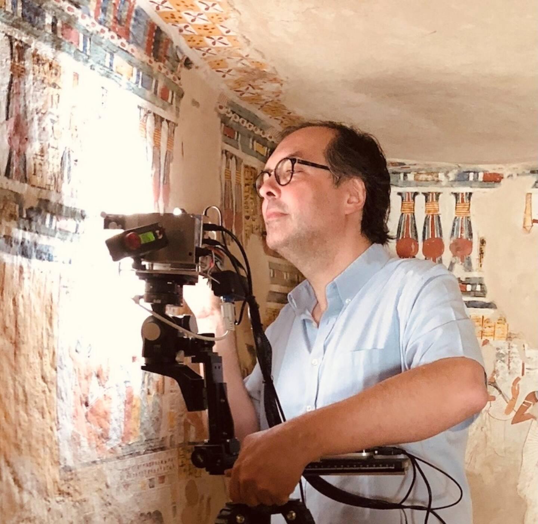 Philippe Walter, directeur de recherches au CNRS, ici lors d'une campagne scientifique en Egypte.