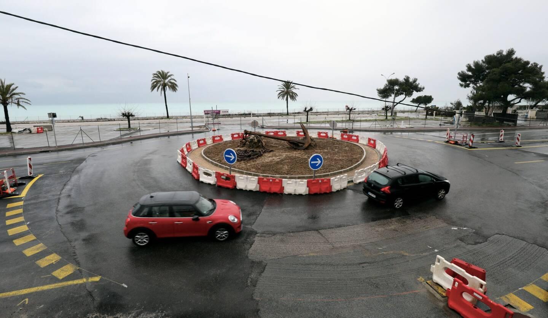 Le rond-point de la Siesta est en travaux, d'où la fermeture de l'axe entre Villeneuve et Antibes.