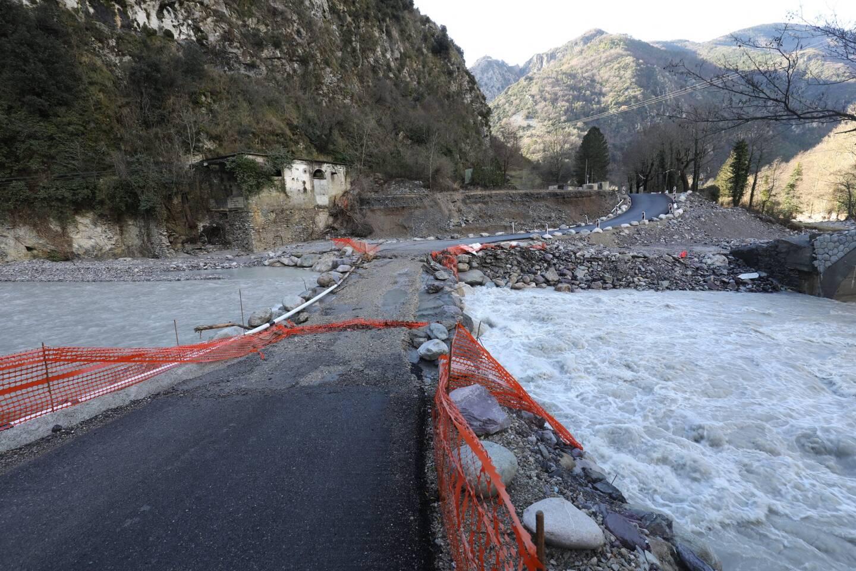 De nombreux passages à gué qui avaient été installés provisoirement après la tempête Alex n'ont pas résisté aux fortes pluies de vendredi.