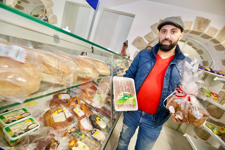 Pour le repas du réveillon, les Roumains ne semblent pas lésiner sur les quantités.