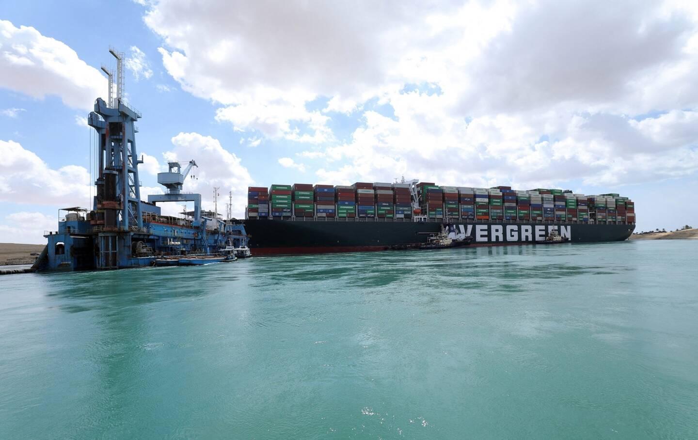 Le porte-conteneurs Ever Given bloque toujours le canal de Suez ce vendredi.