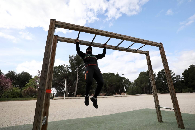 Les villes multiplient les parcours sportifs et autres city-stades. Des installations qui bénéficient principalement aux hommes: ils constituent deux tiers des utilisateurs.