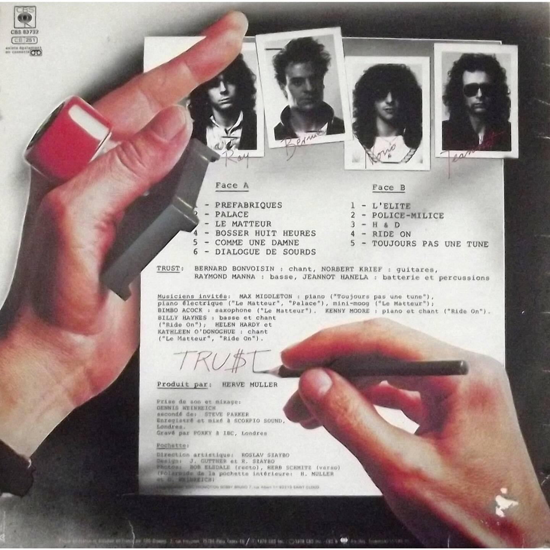 Le dos de la pochette du 1er album de Trust avec Raymond à gauche.