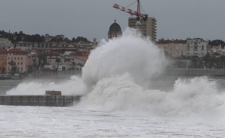 La tempête Hortense devrait épargner le Var et les Alpes-Maritimes malgré quelques orages et de la houle provoquée par le vent.