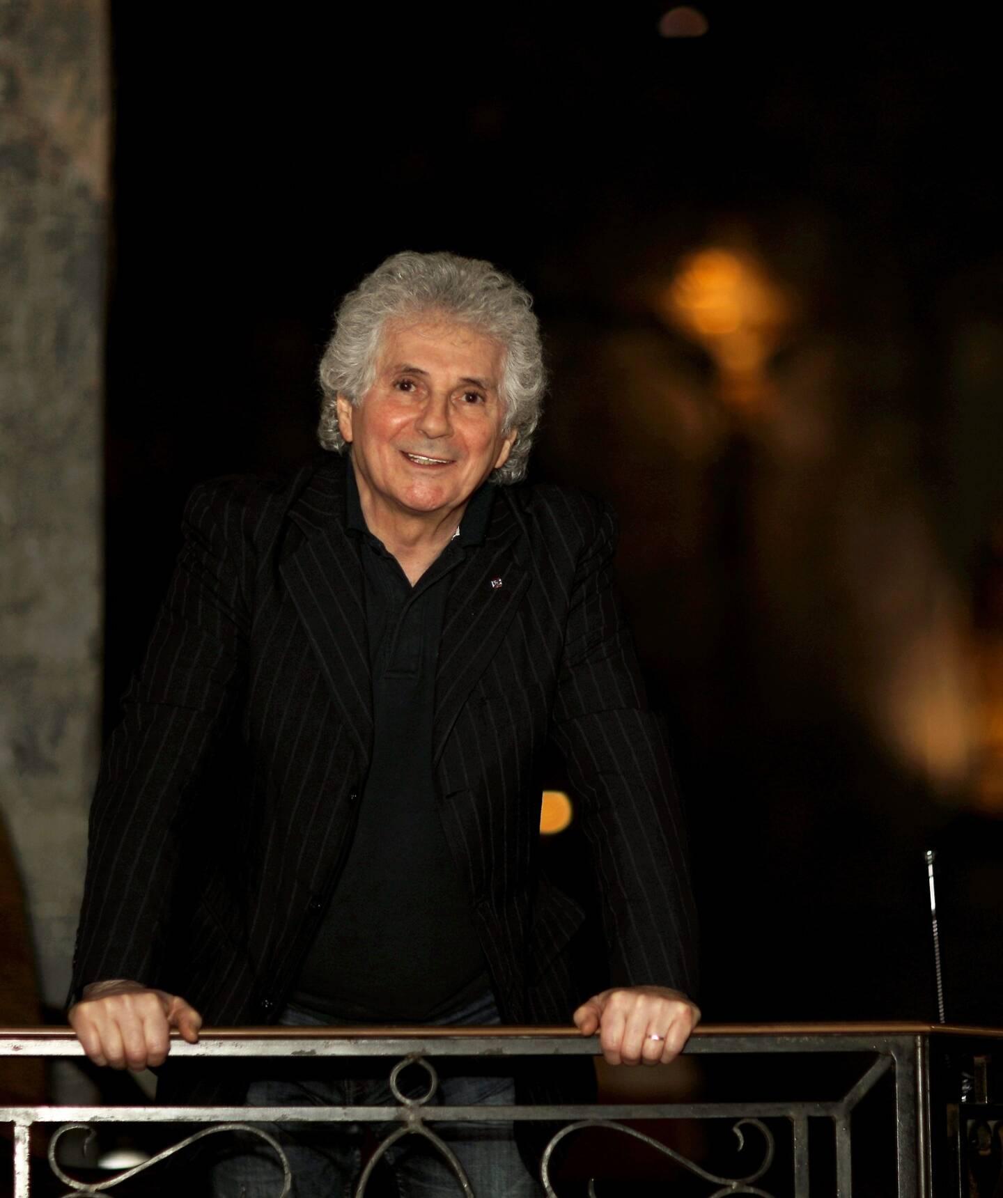 """Raymond Manna """"fils du seigneur"""" en sa paroisse de La Valette, retiré du show-biz depuis les années 90."""