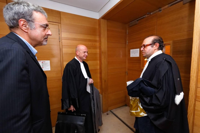 Le frère d'Agnès Le Roux avec son avocat, Me Hervé Temime (à droite) et Me François Saint-Pierre, le défenseur de Maurice Agnelet.