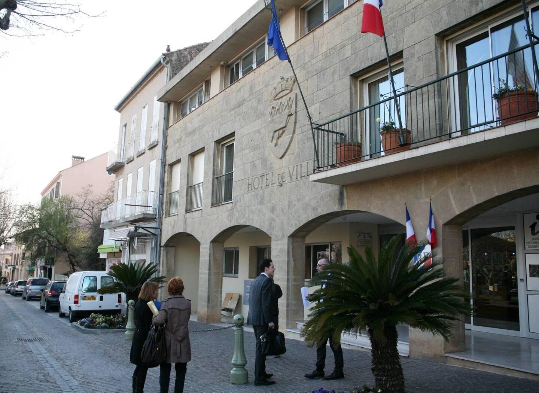 Lors de la perquisition en 2015 à l'hôtel de ville de Carqueiranne