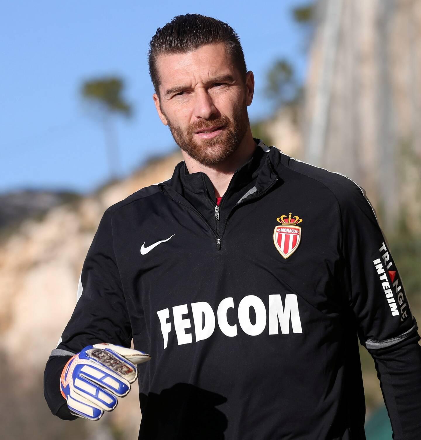 L'ex-international italien a joué une saison à Monaco (8 matchs, 1 en Ligue 1). Il a remporté le titre de champion de France en 2017.