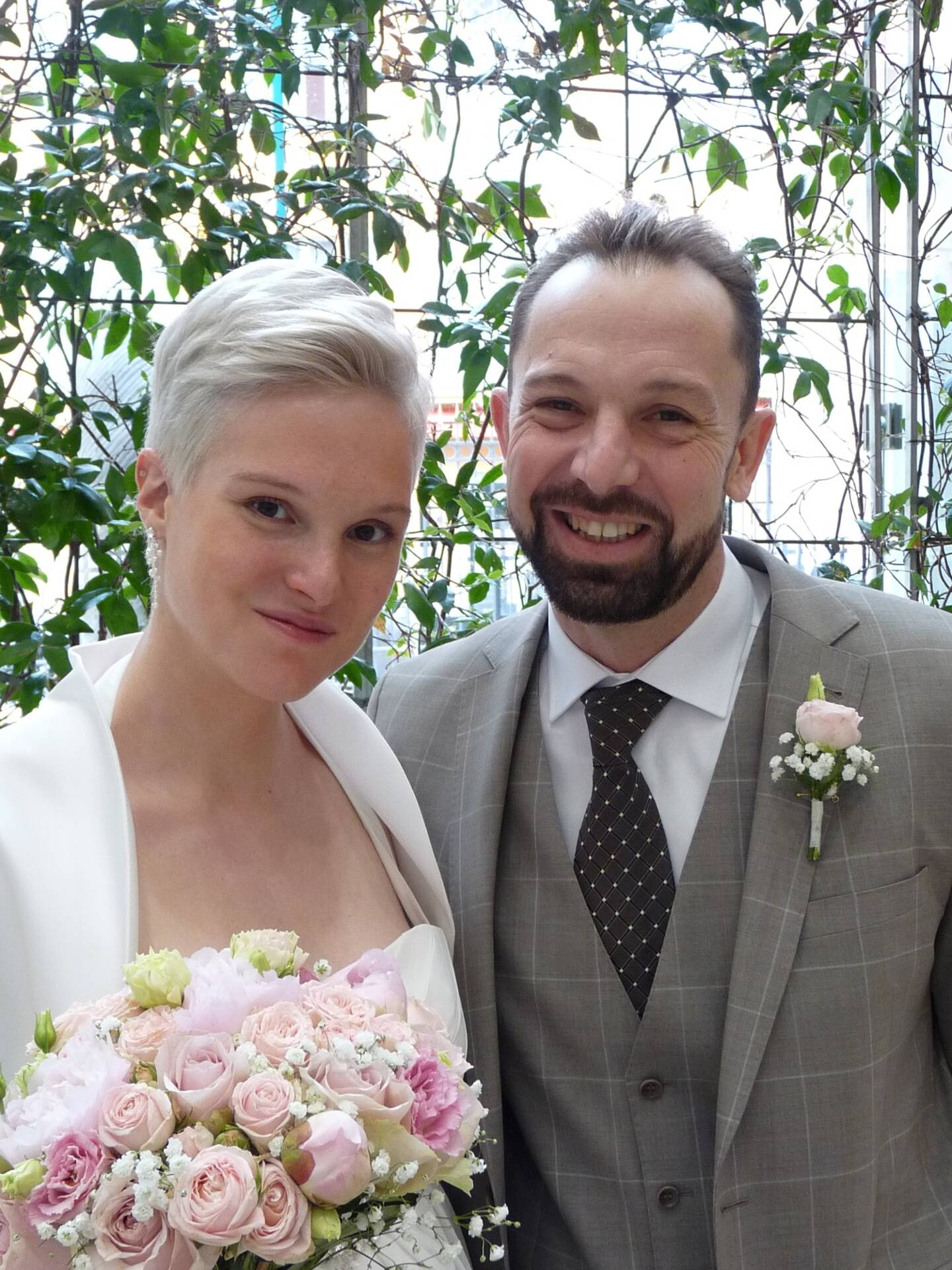 Claire Soyer, éducatrice sportive, et Stéphane Fazincani, responsable d'un complexe sportif.