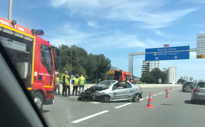 L'accident a créé d'importantes difficultés de circulation dans le secteur.