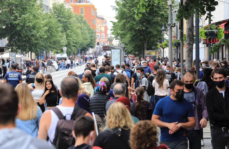 L'affluence sur l'avenue Jean-Médecin à Nice, samedi.