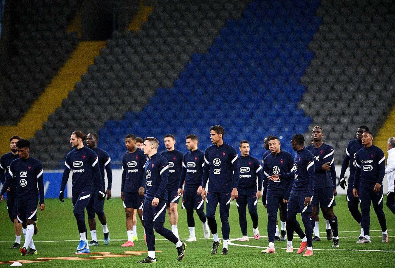 Arrivée des Bleus au stade Astana Arena de Noursoultan, au Kazakhstan, pour un entraînement, le 27 mars 2021