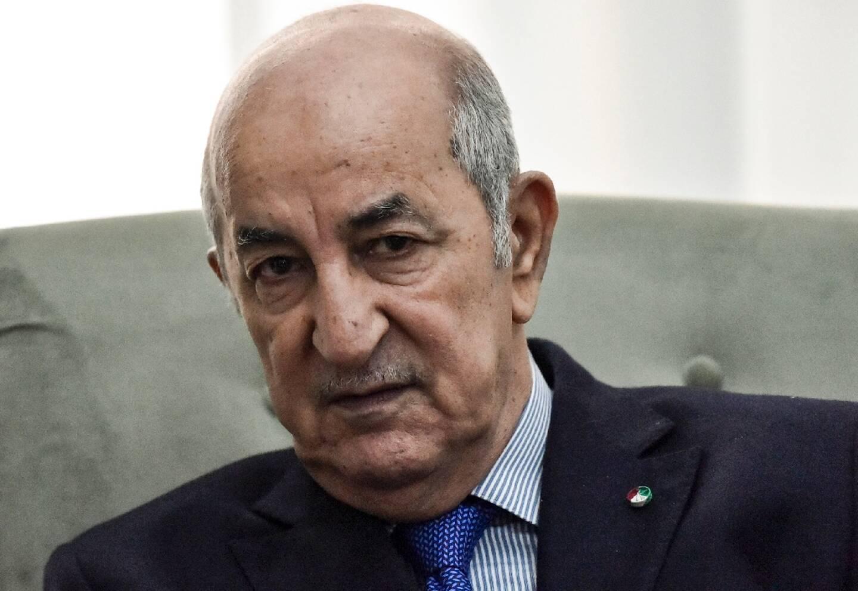 le président algérien Abdelmadjid Tebboune pendant une réunion avec le ministre français des Affaires étrangères, le 21 janvier 2020 à Alger