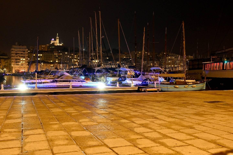 """Le """"Vieux-Port"""" de Marseille désert, le 10 janvier 2021"""