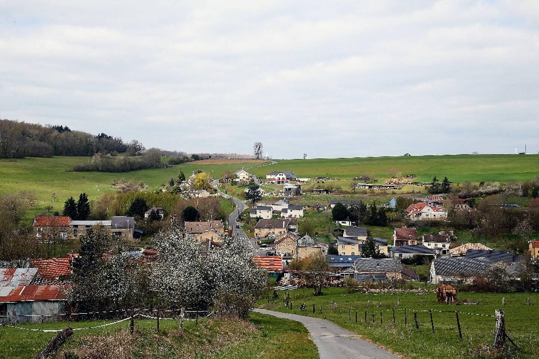 Le village d'Issancourt-et-Rumel où les enquêteurs recherchent le corps d'Estelle Mouzin, le 8 avril 2021