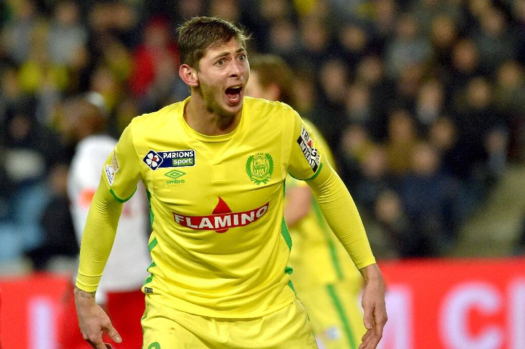 A trial opens across the Channel, we should know more about the death of soccer player Emiliano Sala