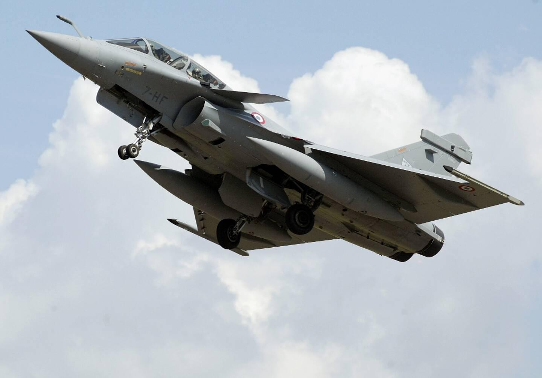 La Grèce doit conclure lundi l'achat de 18 avions de combat Rafale à la France