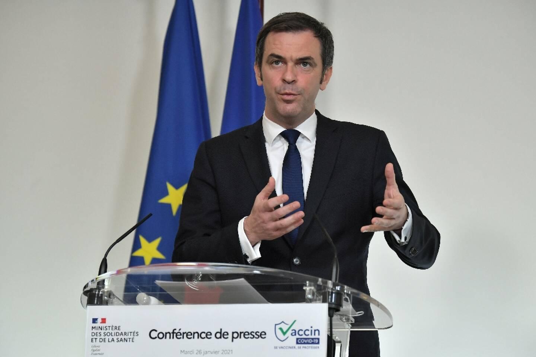 Le ministre de la Santé Olivier Véran lors d'une conférence de presse à Paris, le 26 janvier 2021