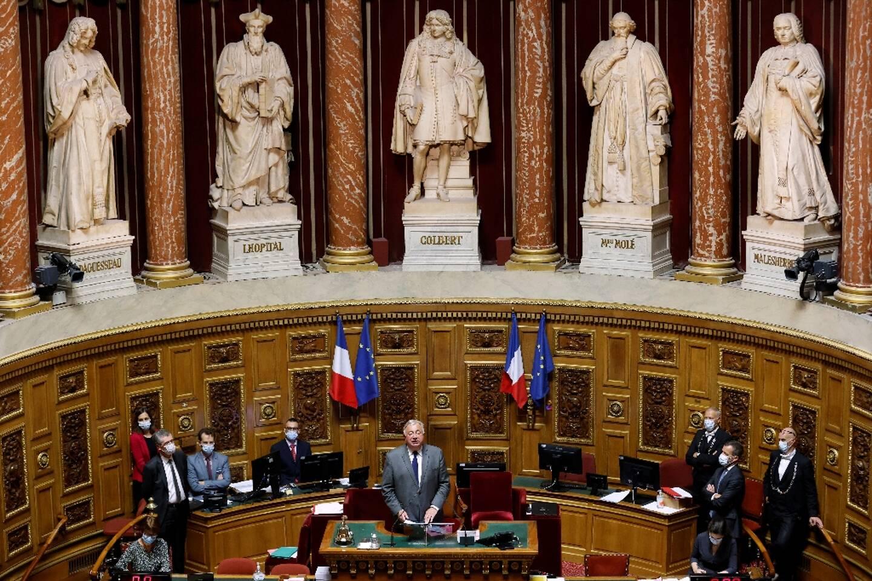 Le président du Sénat français Gérard Larcher (c) le 1er octobre 2020 lors d'une séance au palais du Luxembourg, à Paris