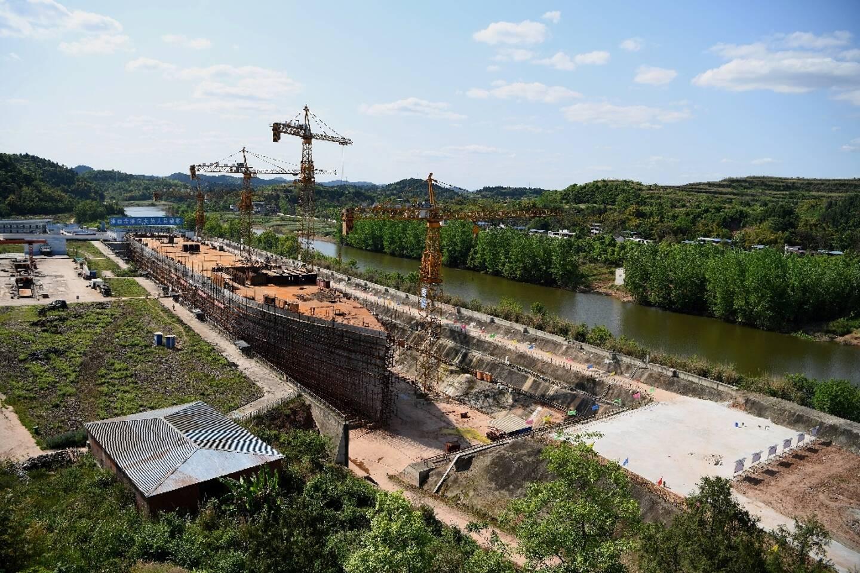 Le chantier de construction d'une réplique du Titanic, le 26 avril 2021 dans le district de Daying (Chine)