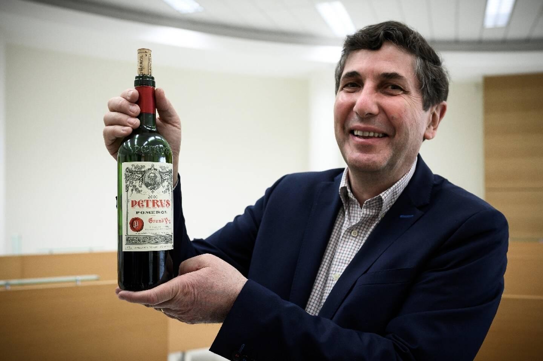 Philippe Darriet, directeur de l'unité de recherche oenologie à l'ISVV de l'université de Bordeaux, à Villenave-d'Ornon en Gironde, le 21 mars 2021