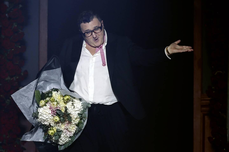 Le créateur de mode Alber Elbaz le 27 septembre 2012 à Paris à l'issue d'un défilé Lanvin