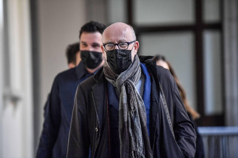 Alain Jakubowicz (c), l'avocat de Nordahl Lelandais, arrive au tribunal de Chambéry, le 4 mai 2021