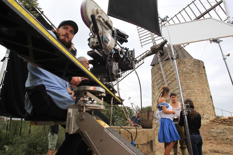 En septembre 2014, les caméras de la production canadienne avaient fait une halte à Grimaud pour des scènes de reconstitution de la Seconde Guerre mondiale avec, entre autres, le  Monégasque Arnaud Jouan (en vignette) dans la peau d'un jeune résistant.