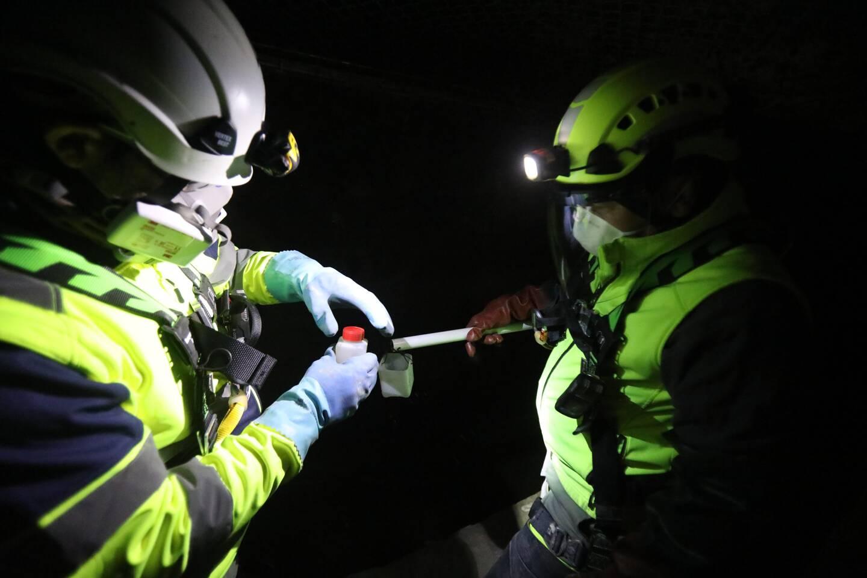 Après les prélèvements en onze points souterrains de Monaco, les échantillons partent au Danemark, dans une glacière à 4°C, pour être analysés.