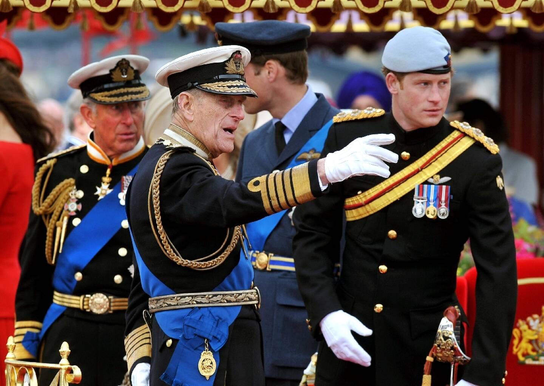 Les princes Charles, Philip et Harry à Londres le 3 juin 2012