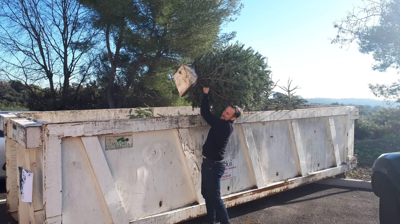 Près de quinze mètres cubes ont été acheminés dans les plaines enneigées des Monts d'Azur, par la seule association EBG. Les agglos de Grasse et Cannes ont, elles aussi, participé.