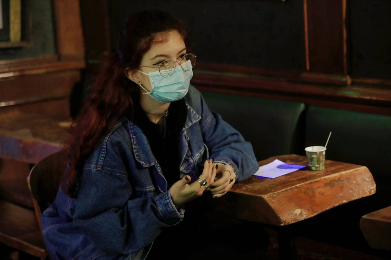 Le taux d'incidence du virus du désespoir est hors de contrôle sur les campus : Tracy a ainsi cherché à en finir avec ce destin d'étudiant fantôme.