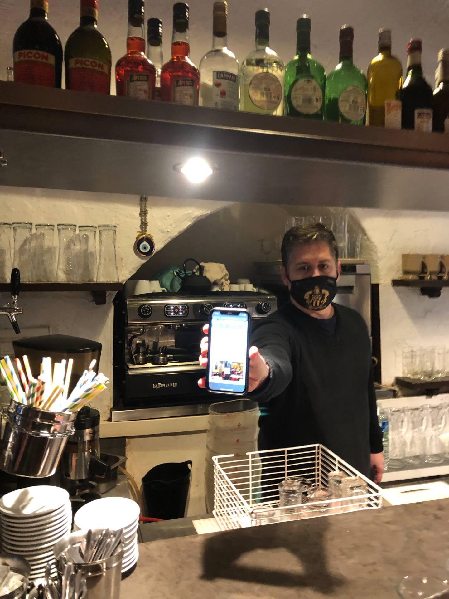 Anthony et Christophe ont lancé une cagnotte sur Internet où ils prévendent des repas.