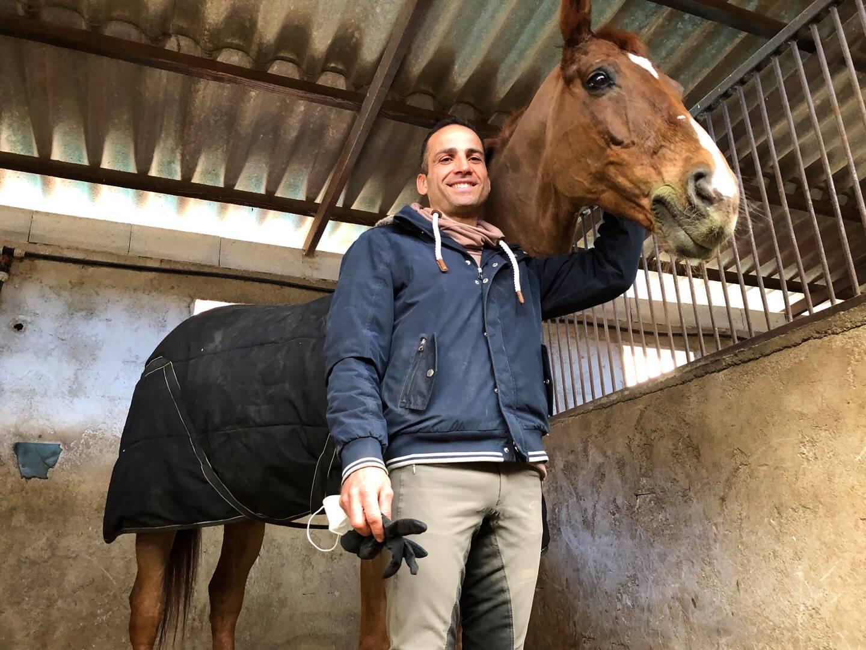 """L'athlète avec """"sa star"""": Zo What, Hollandais âgé de 16 ans, 1,73 m pour 610 kg."""