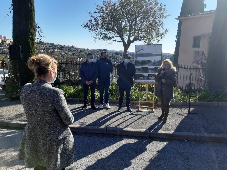 Le maire et ses adjoints ont présenté le projet dans le détail.