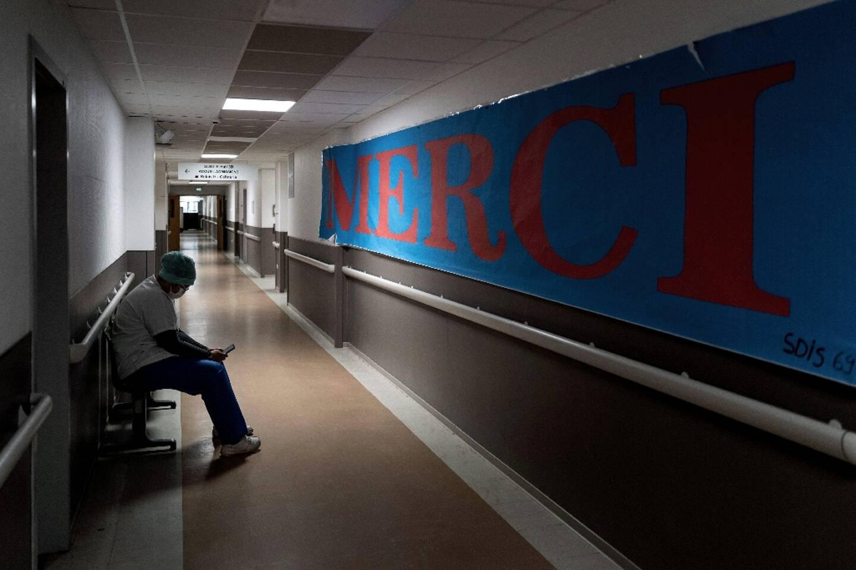 Couloirs de l'hôpital Lyon-Sud, le 25 janvier 2021