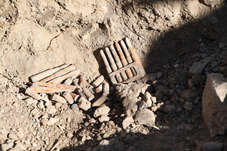 Des munitions françaises et quelques francs ont été déterrés de la tranchée.