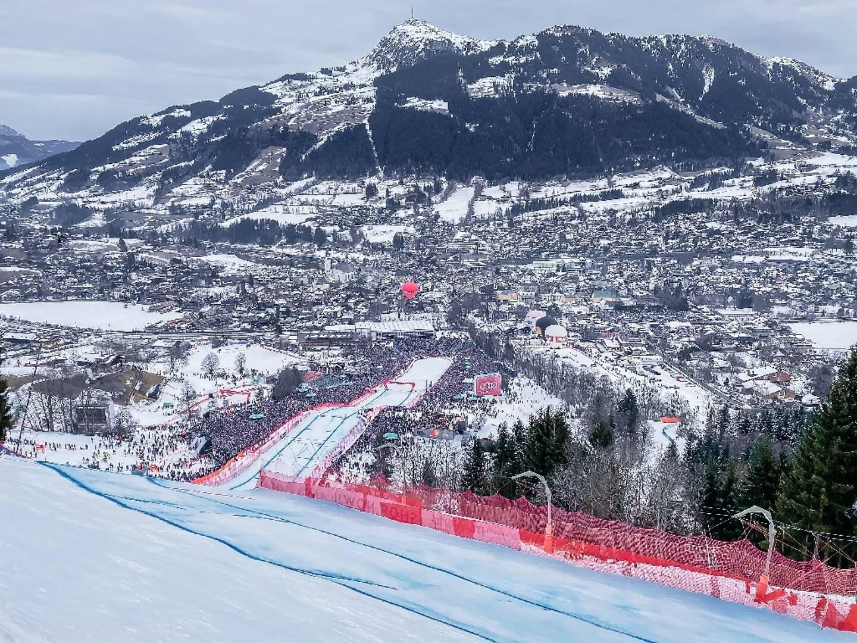 Vue de la ligne d'arrivée de la prestigieuse piste de Kitzbühel, avant les épreuves de Coupe du monde, le 25 janvier 2020