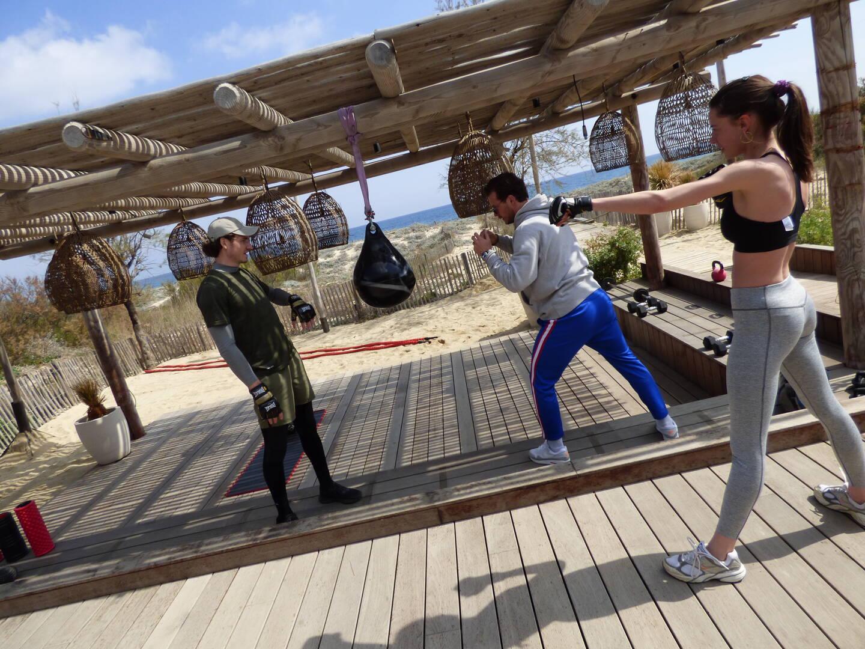 Séance de workout sans pression réalisée fin mars, mais avec du tonus sur la plage de Pampelonne.