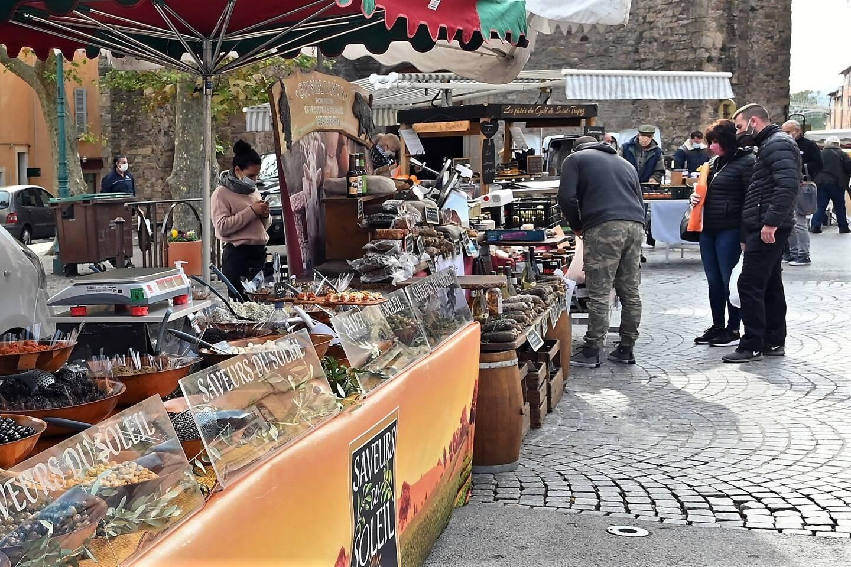 Les commerçants et vendeurs de légumes, miel, charcuterie du terroir sont désormais connectés avec leur clientèle.