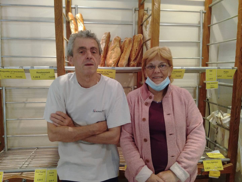 Bruno et Christine Bergallo ont continué à fabriquer du pain tous les jours. Aujourd'hui, ils doutent de l'avenir sans le passage des Italiens...