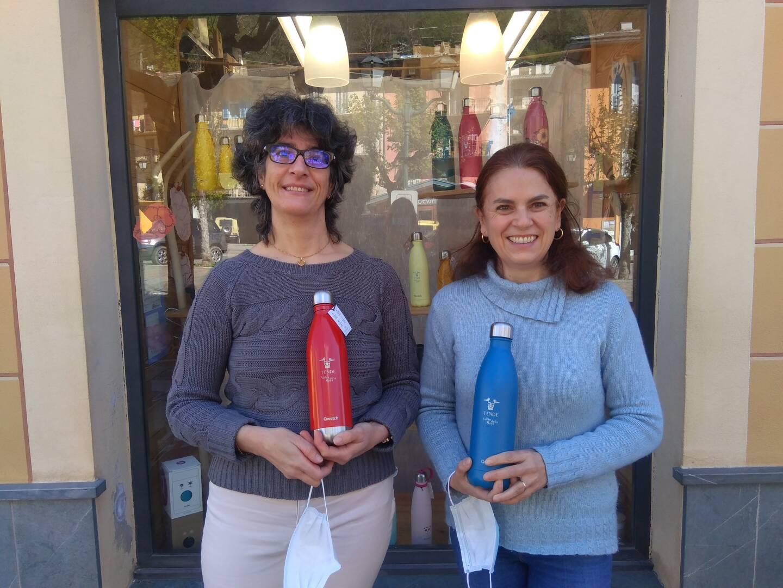 Au sein de la quincaillerie, Sophie Cottalorda et Pascale Filippi ont su adapter leurs produits aux besoins des habitants sinistrés.