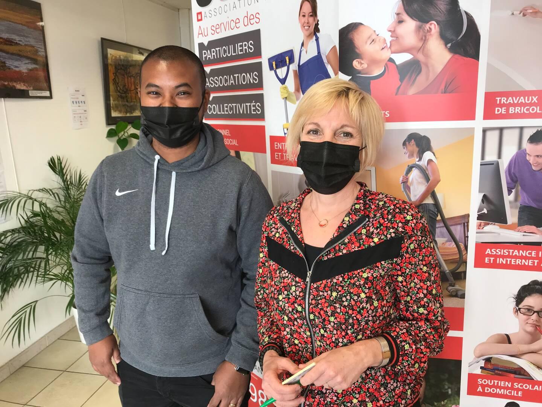 Stéphanie Bonnet et Steve Baer Andrianmampandry travaillent au siège de Sendra Ges, à Draguignan.