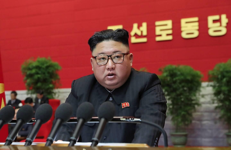 Image fournie par KCNA, agence officielle de Corée du Nord, du dirigeant nord-coréen Kim Jong Un lors du 8e congrès du parti au pouvoir, le 7 janvier 2021, à Pyongyang