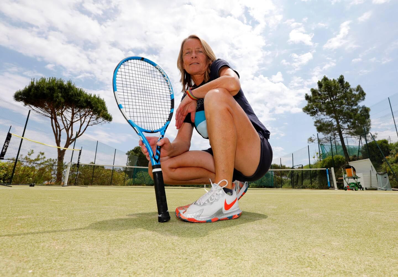 Ce mardi, à l'Escalet, où elle assure ses cours ramatuellois orientés tennis loisir.
