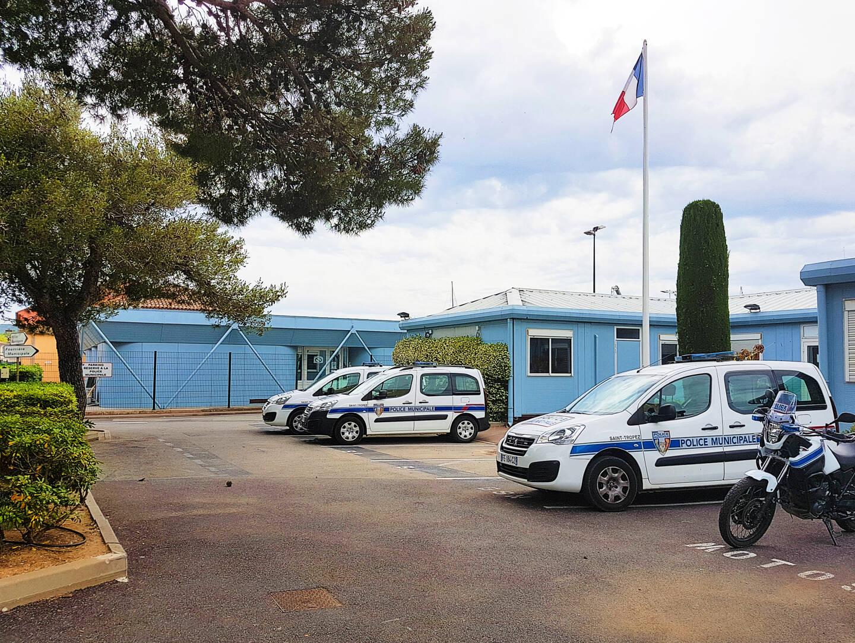 Les vestiaires de la police municipale (au fond) seront bientôt loués à la CCI et l'UPV.