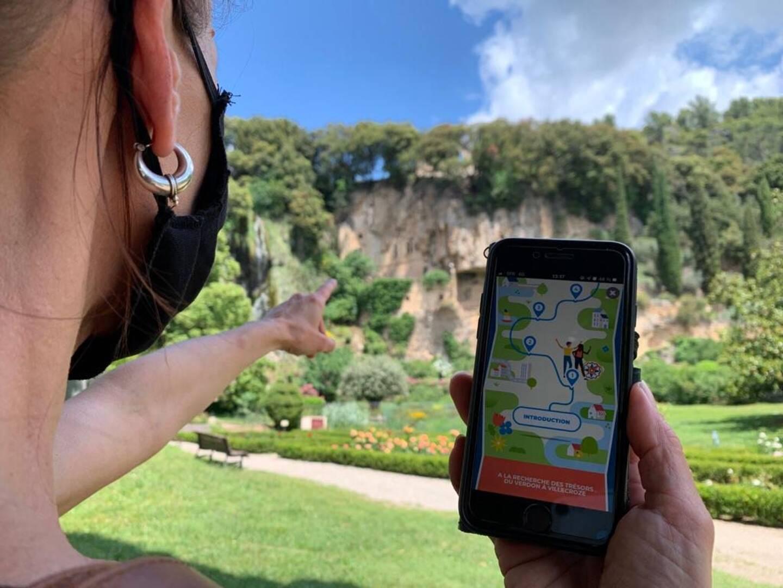 Pour accéder au jeu de piste et le télécharger, il faudra scanner un QR code.