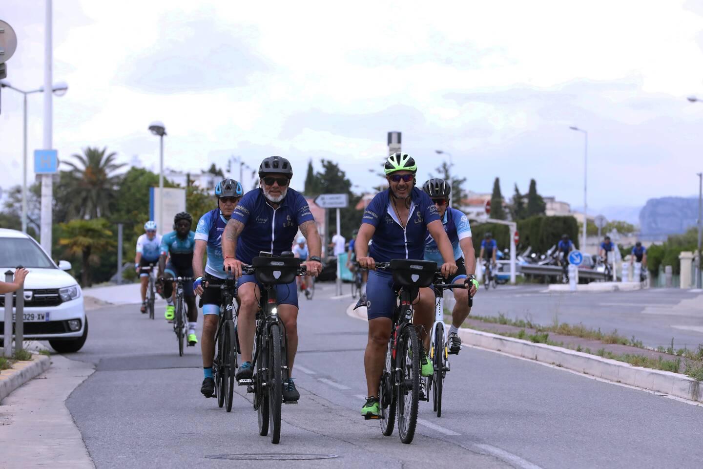 Mikaël Chanoyan et Frédéric Colomb ont pédalé entre 80 et 100 km par jour pour un tour de France visant à sensibiliser le public au cancer pédiatrique et à faire avancer la recherche.