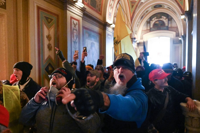 Des partisans de Donald Trump lors de l'assaut sur le Capitole à Washington, le 6 janvier 2021